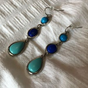 Jewelry - Blue/teal dangle earrings